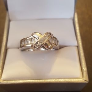 Sterling round & baguettes size 7 ring